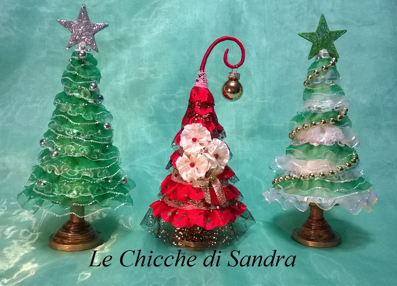 Alberelli Di Natale.Alberelli Di Natale Con Carta E Passamanerie 8 Christmas