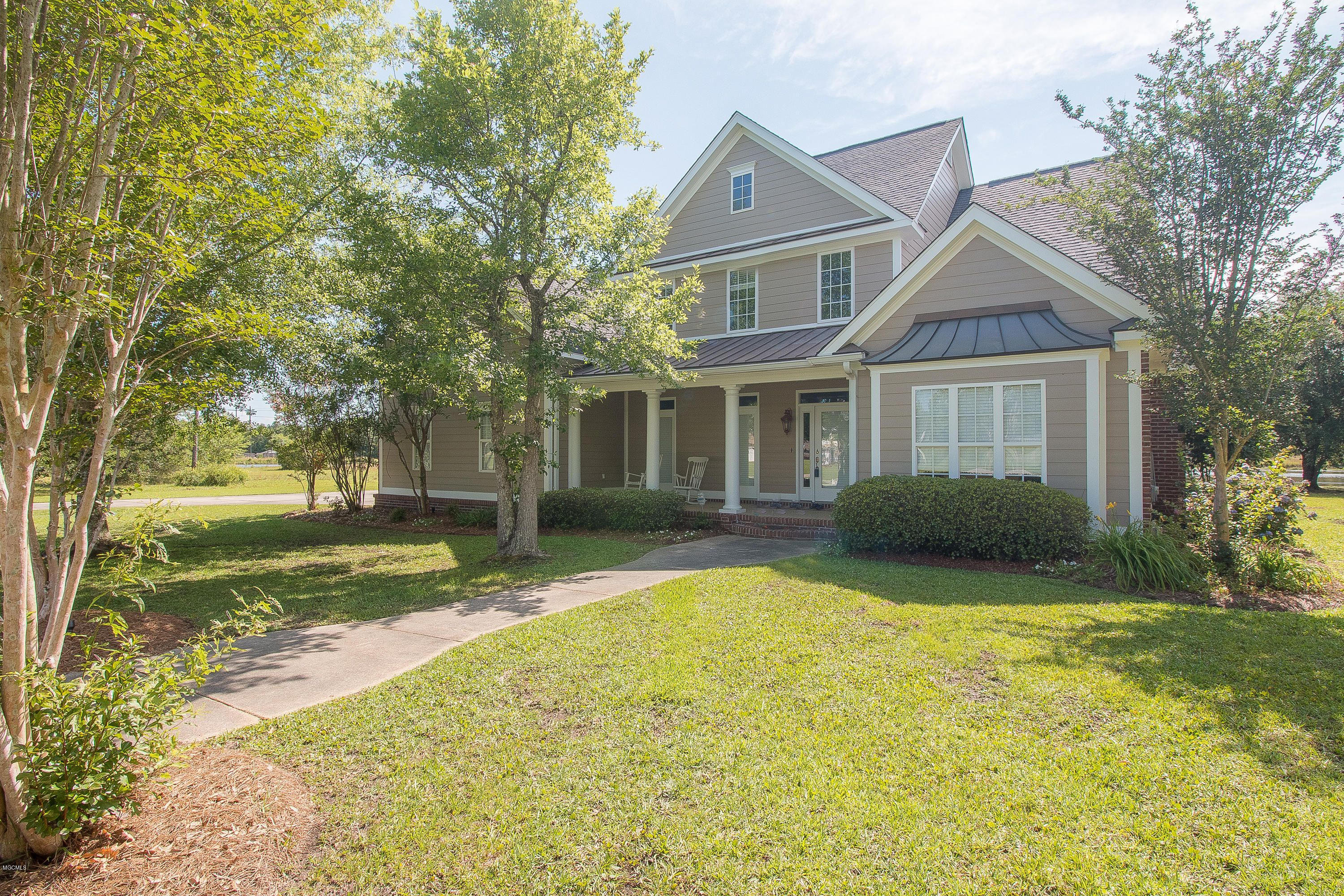 12611 S Lake Forest Dr Gulfport Ms 39503 Lake Forest Waterfront Homes Gulfport