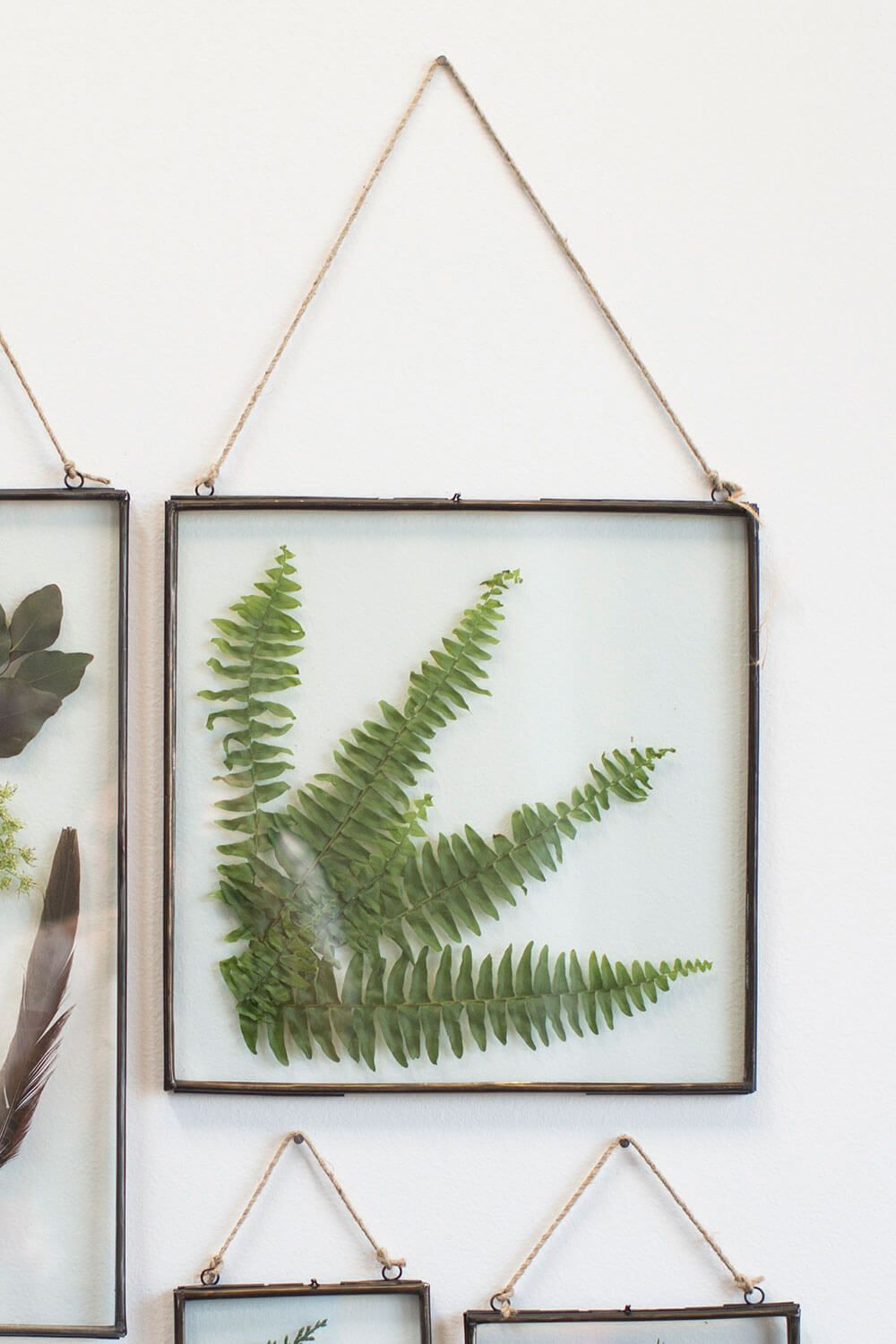 Pleasing Hanging Metal Double Glass Frame 14 X 14 75 Y E S Download Free Architecture Designs Scobabritishbridgeorg