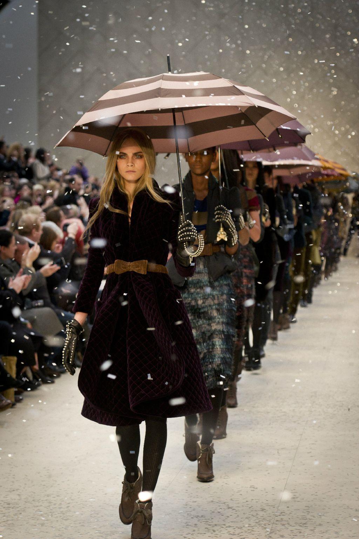 Burberry Show Top 10 Fashion Designers Fashion London Fashion Week