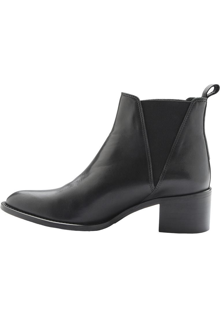 CP Dressy Classic Boot SON15