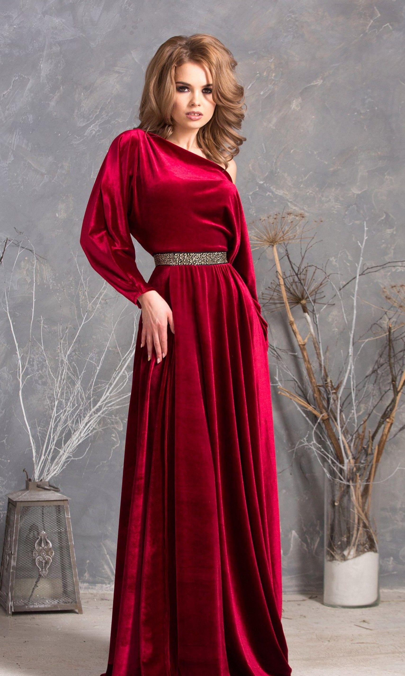 5d20bf939b1c61d Купить Красное бархатное длинное платье   Цена:7 500 RUB   red in ...