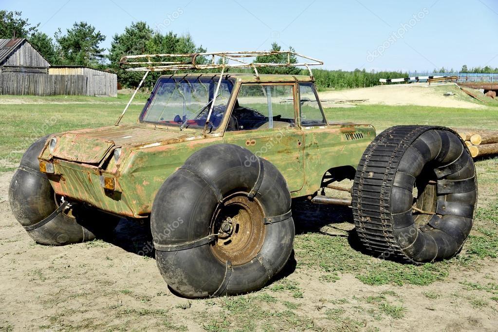 Swamp Vehicle Buscar Con Google Monster Trucks Vehicles Hill Climb