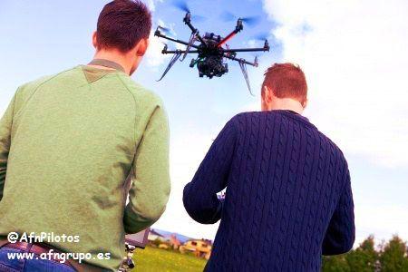 Hazte #Piloto de #Drones #RPAS en Agosto. Mas información en el 881103330 informacion@afngrupo.es