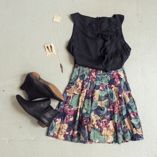 OUTFIT! Vintage floral skirt, ruffled silk top, flat ankle boots, and jewelry by Laura Estrada.