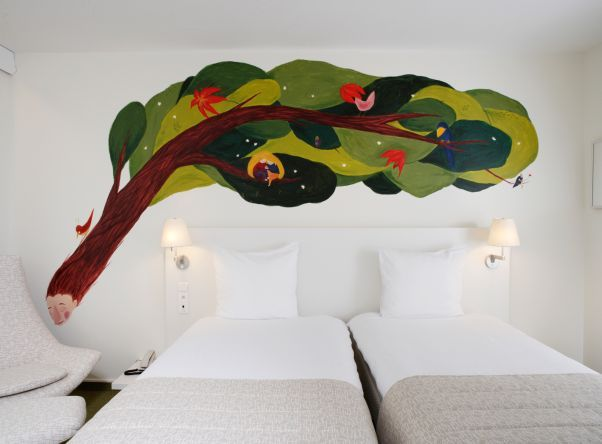 A mural for a room in Hotel Bloom.I took part in project Bloom! in Brussels in August 2007.