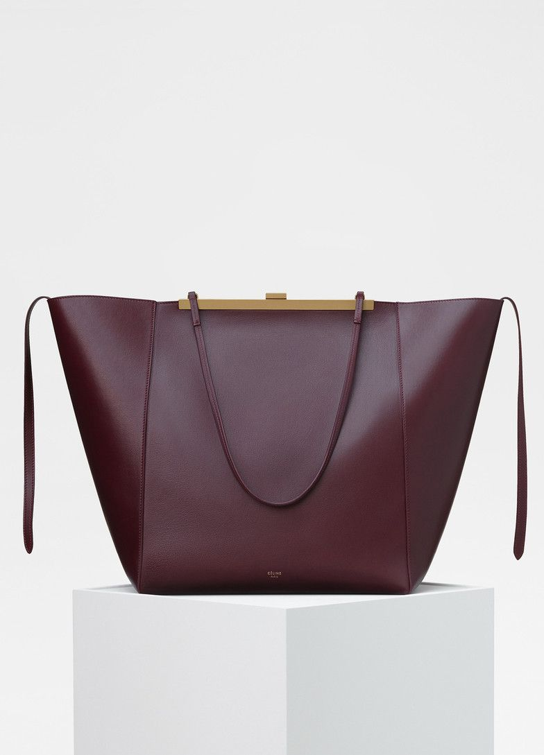 467120c4efdf Cabas Clasp Bag in Smooth Calfskin - Céline