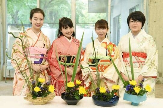 Healing our hearts while experiencing the Japanese culture! It is good to study abroad in Japan~ ※Flower arrangement Workshop@ Musashino University in Mitaka  #musashino #musashinouniversity #university #studyabroad #mitsuka #japan #japankuru #cooljapan #100tokyo #tokyo #teaceremony #kimono #flowerarrangement