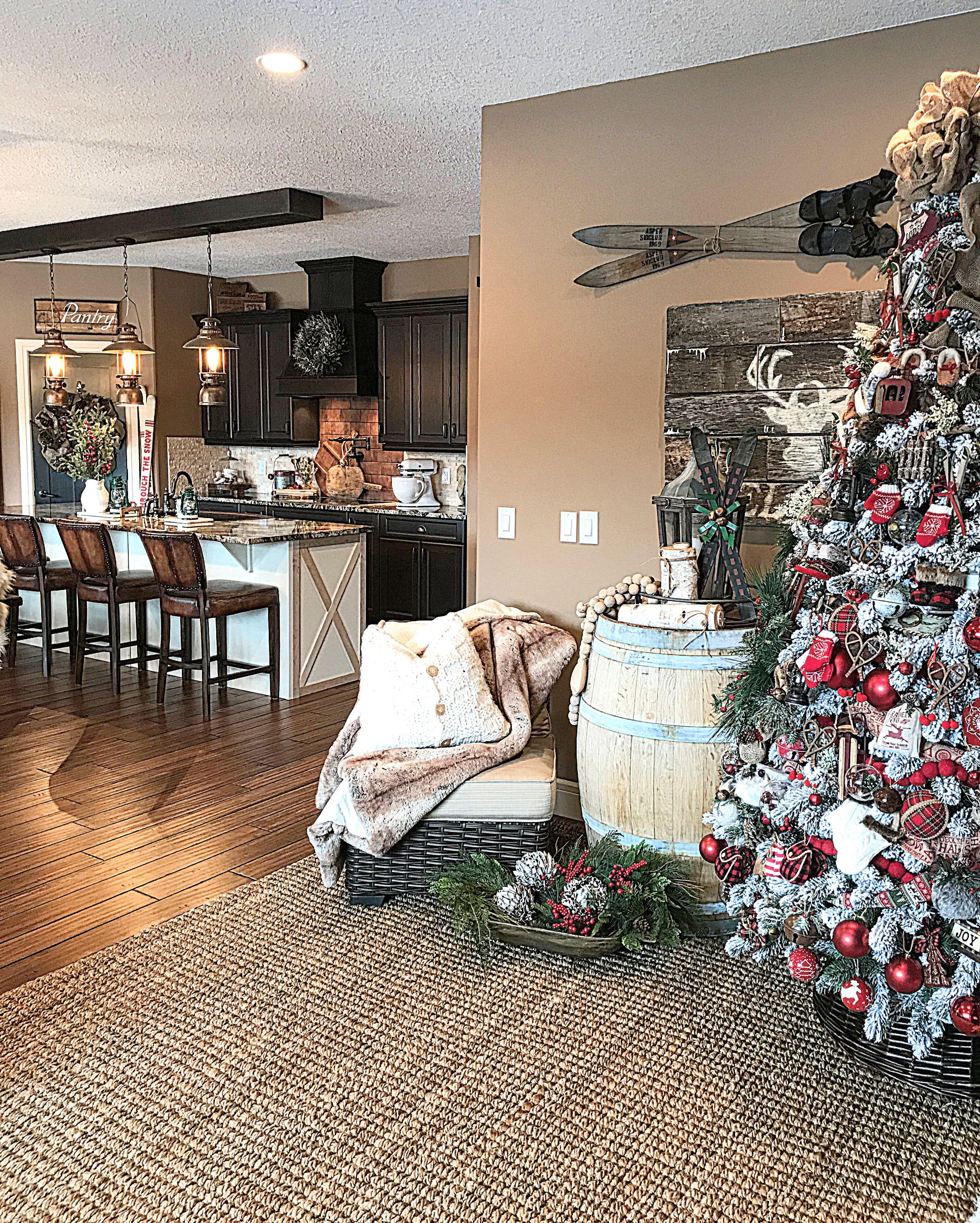 Farmhouse Christmas Kitchen images