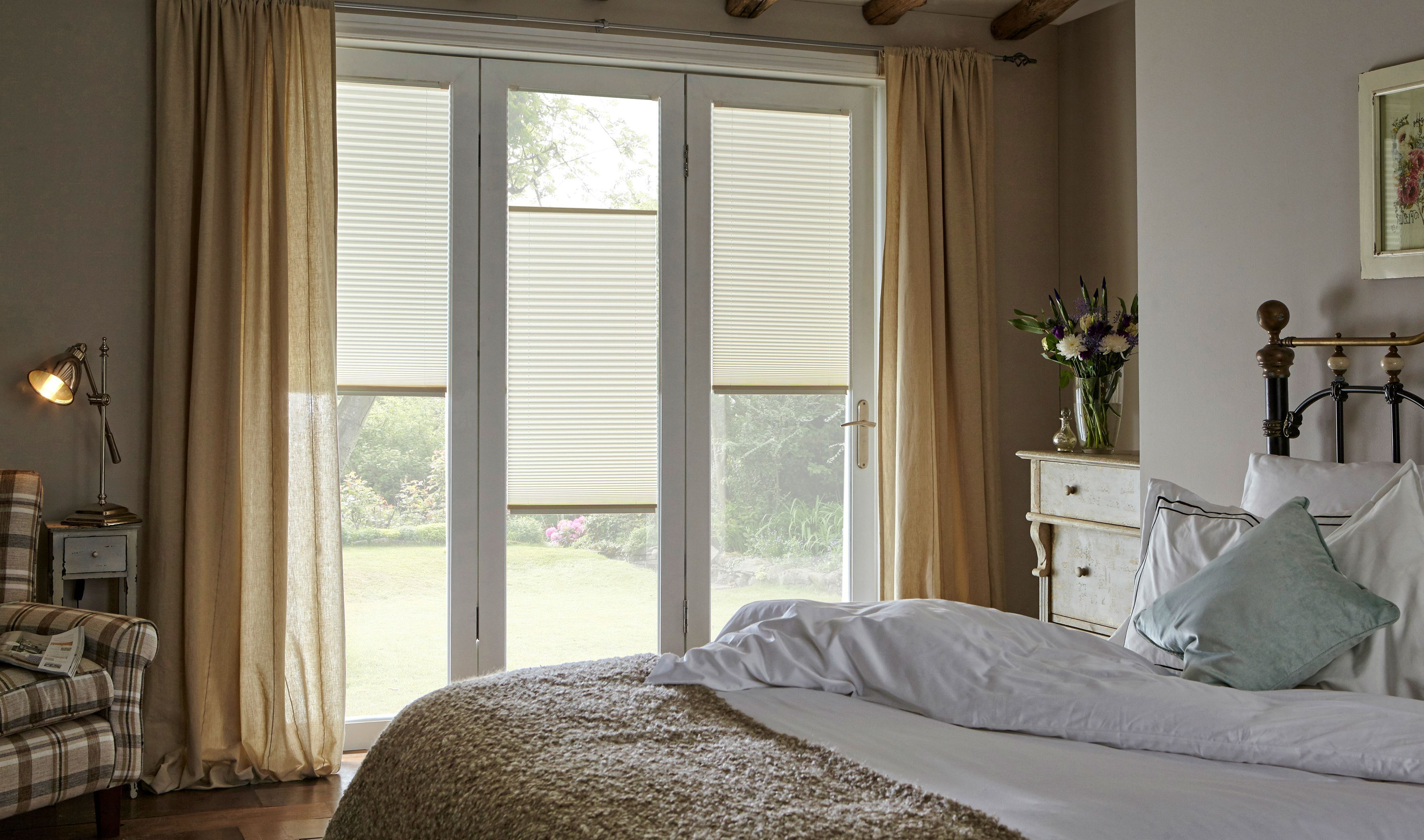 Pleated Bedroom Blinds From Style Studio Neutral Window Blinds Best Blinds For Summer Bedroom Blinds Living Room Blinds Blinds Design Curtains With Blinds
