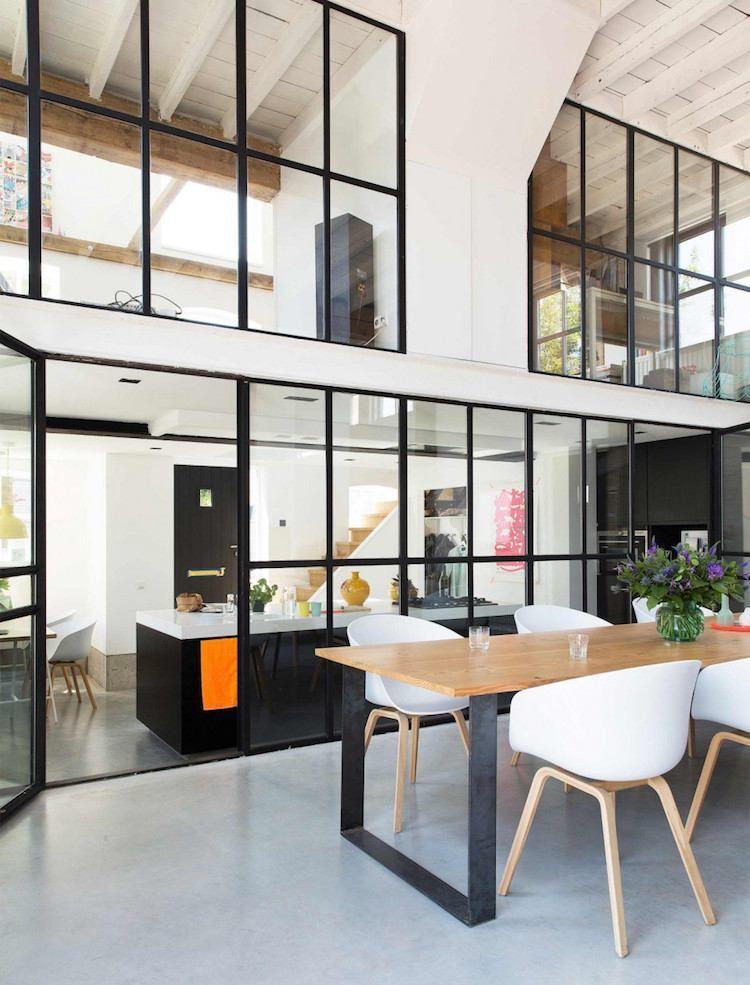 Cuisine Avec Verrière Pour Cloisonner Lespace Avec Style Sans Le - Salle a manger style loft pour idees de deco de cuisine