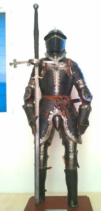 Armour of a 16th century landsknecht captain