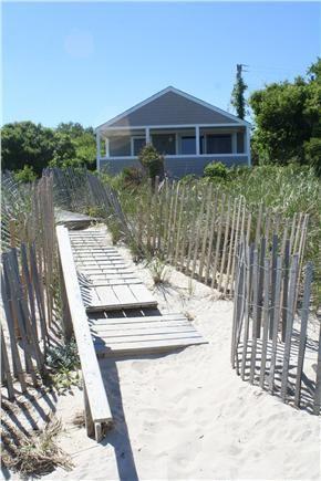 Brewster Cape Cod Vacation Rental Weneedavacation Com Id 22761 Beach Cottage Rentals Beach Cottages Cape Cod Beaches