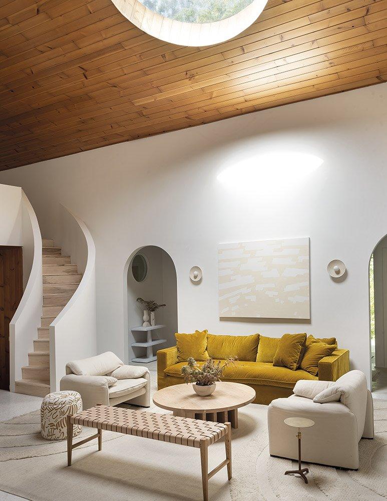Quieres Que El Sol Inunde Tu Casa Instala Ventanas De Tejado Sala De Estar Minimalista Decorar Apartamento Decoracion De Salas