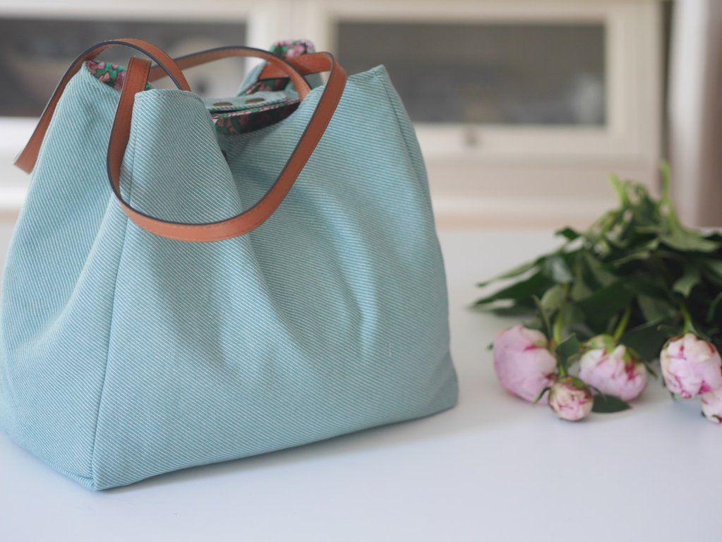 Photo of freeBook Held Shopping-und Strandbag