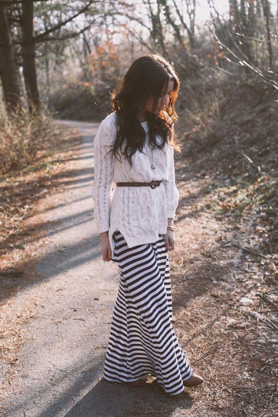 b5f90a273a Formas de usar una maxi falda en invierno en 2019