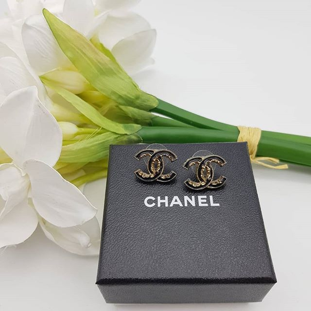 1e68a19e0 $190 wire. Preloved Chanel Earrings Gold/Black Antique Gold Hardware ...
