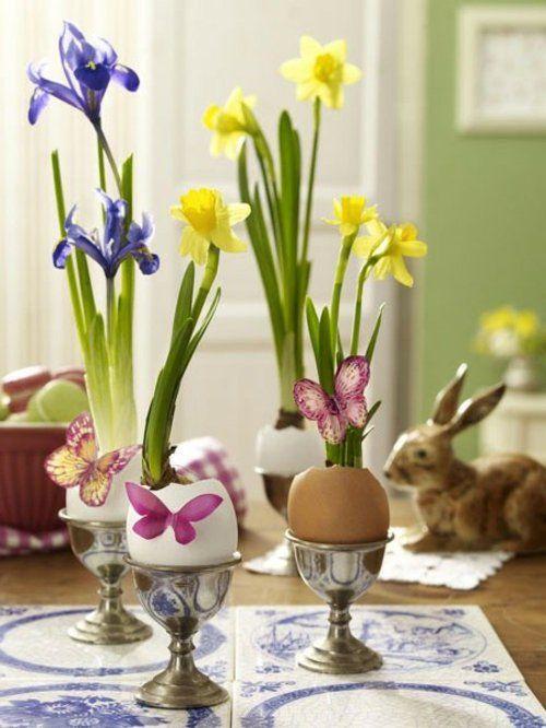 osterdeko basteln elegante und frisch mit Narzissen und Irisen
