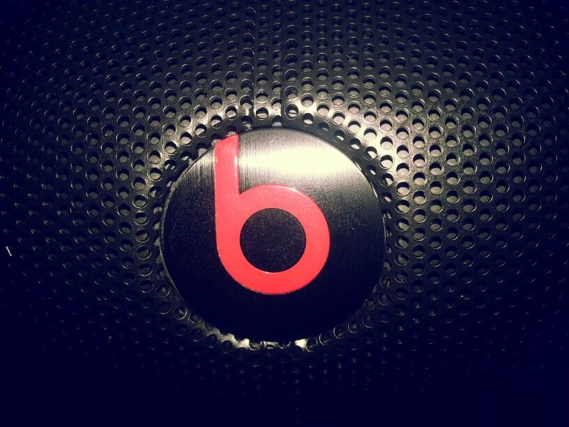 "PEOPLE AREN'T HEARING ALL THE MUSIC ""With Beats people are going to hear what the artists hear and listen ti the musix the way they should: the way I do."" --- Dr. Dre  beatspill XL Portable Wireless Speaker beatsbydre.com  #beatsbydre"
