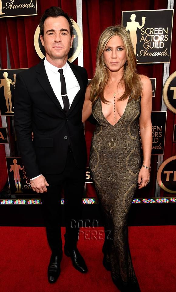 SAG Awards 2015: Jennifer Aniston and Justin Theroux walk the red carpet.