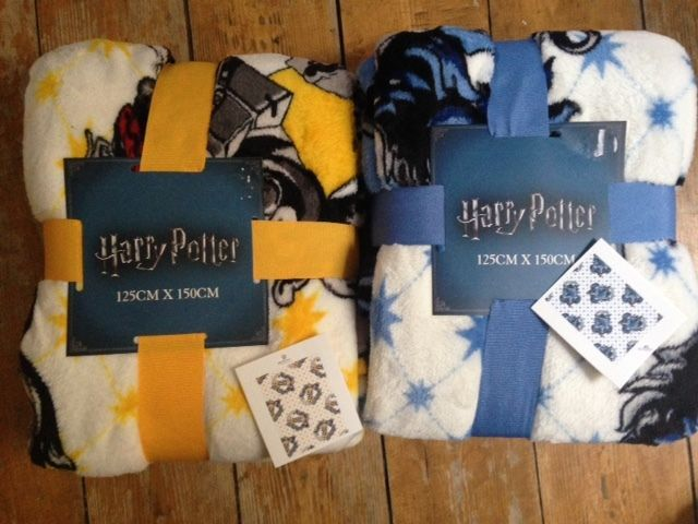 primark harry potter hogwarts fleece blanket throw. Black Bedroom Furniture Sets. Home Design Ideas