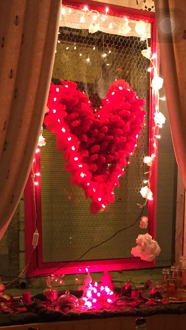 St Valentin Vitrine Deco Roses Flowers Valentine Decorations