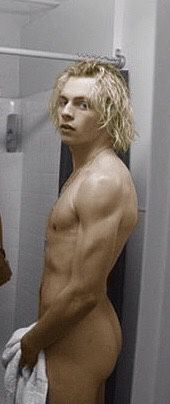Shower ross nude lynch
