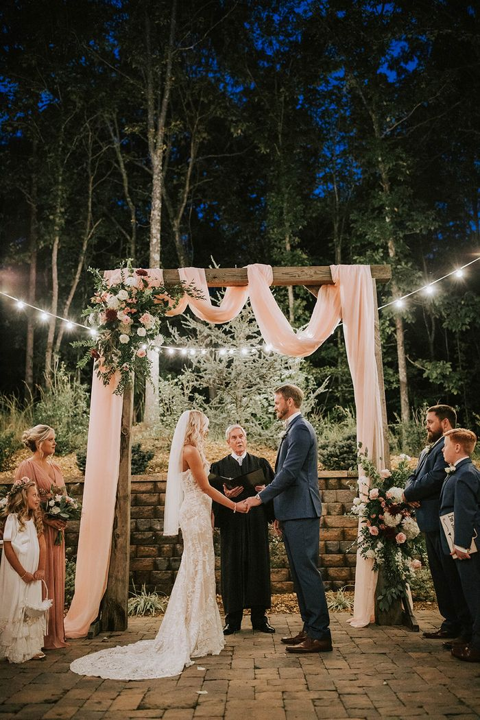 Chelsea and Josh's Tennessee Barn Wedding | Intimate Weddings - Small Wedding Blog - DIY Wedding Ideas for Small and Intimate Weddings - Real Small Weddings -   18 wedding Small barn ideas