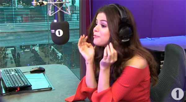 Selena Gomez Responds To 12-Year-Old's Adorable Pick Up Line —Watch