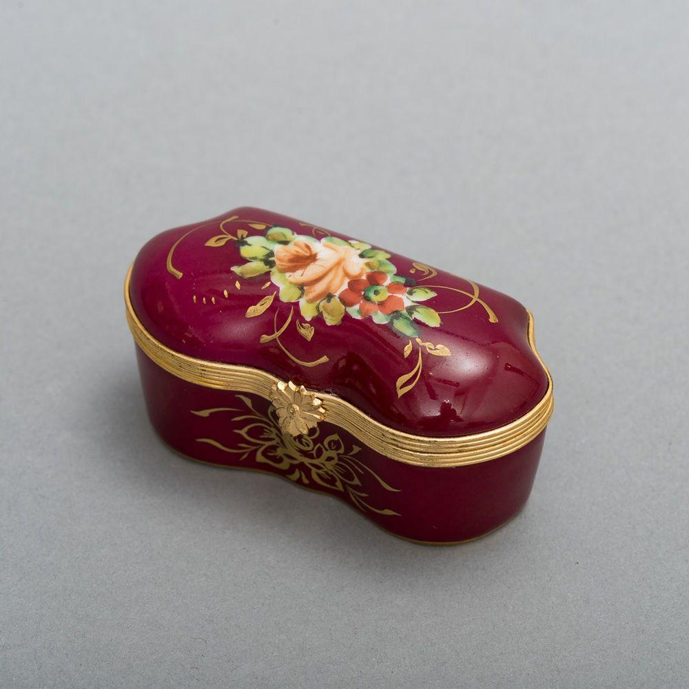 Made By Goudeville In Limoges France Antique Porcelain Trinket Box Porcelain Hinged Lid Trinket Box Hand Painted Magenta Box Trinket Boxes Trinket Porcelain