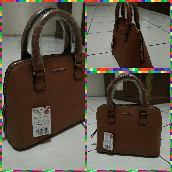 Ladies bag IDR 320,000