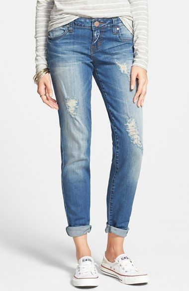 Free shipping and returns on Sun & Shadow Distressed Jeans (Walton Bleach) at Nordstrom.com. A faded, medium blue wash and threadbare patches make these stretch-cotton skinnies look like old favorites from the first wear.