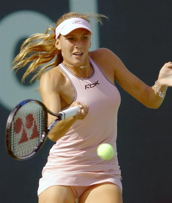 Sexy ladies playing tennis