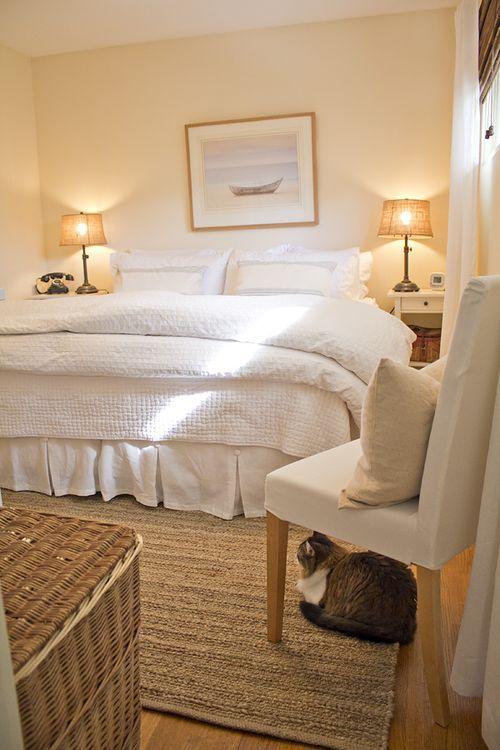 love this bedding :)
