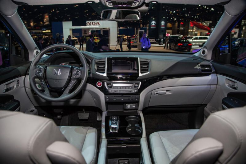 The 2017 Honda Pilot Elite Interior Image Is Added In Car Pictures Category By Author On Apr Find This Pin And More Campers