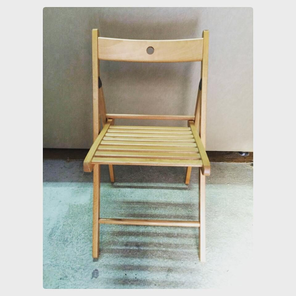 For Sale Wood Chair Price 2 Bd للبيع كرسي خشب بحالة ممتازة السعر 2 Bd Tel 33770050 Furniture Folding Chair Home Decor