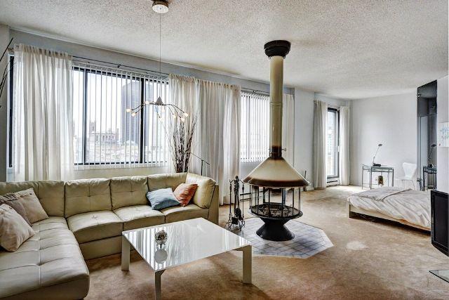 Luxueux Studio A Louer En Meuble Neuf Cents Pieds Carres 80 Mc Pouvant Accueillir Confortablement 2 Personnes Et Situe En Plein Centr Home Decor Home Decor