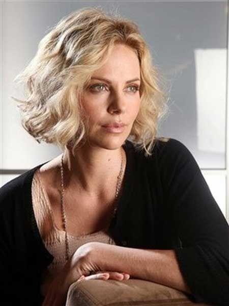 2013 Bob Haircuts For Women 4 Jpg 450 600 Pixels Charlize Theron 20er Jahre Frisur Frisuren Kurz Blond