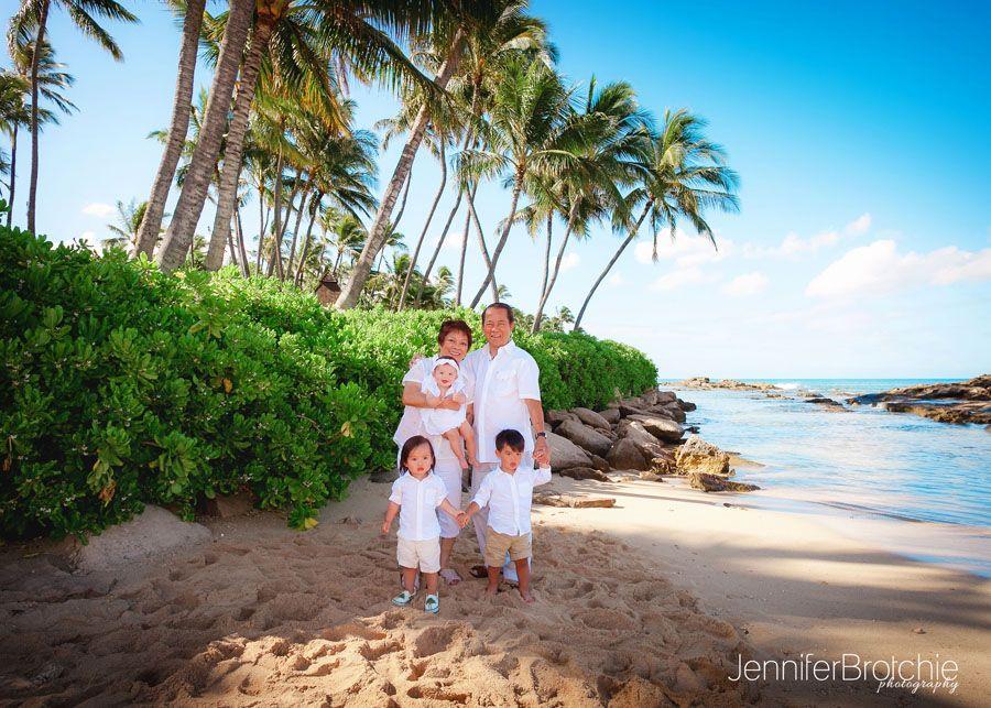 Photographer in Waikiki, Oahu Family Photographer, Best Affordable Photographer in Oahu, Disney Aulani Photographer, KoOlina Vacation Beach Photos, Photo Shoots in Turtle Bay www.jenniferbrotchie.com