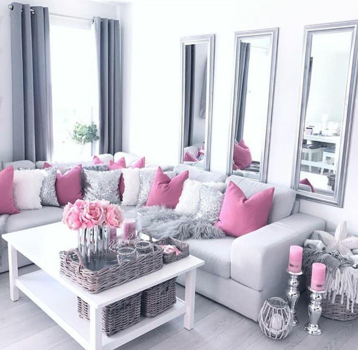 Photo of De speilene og de rosa putene