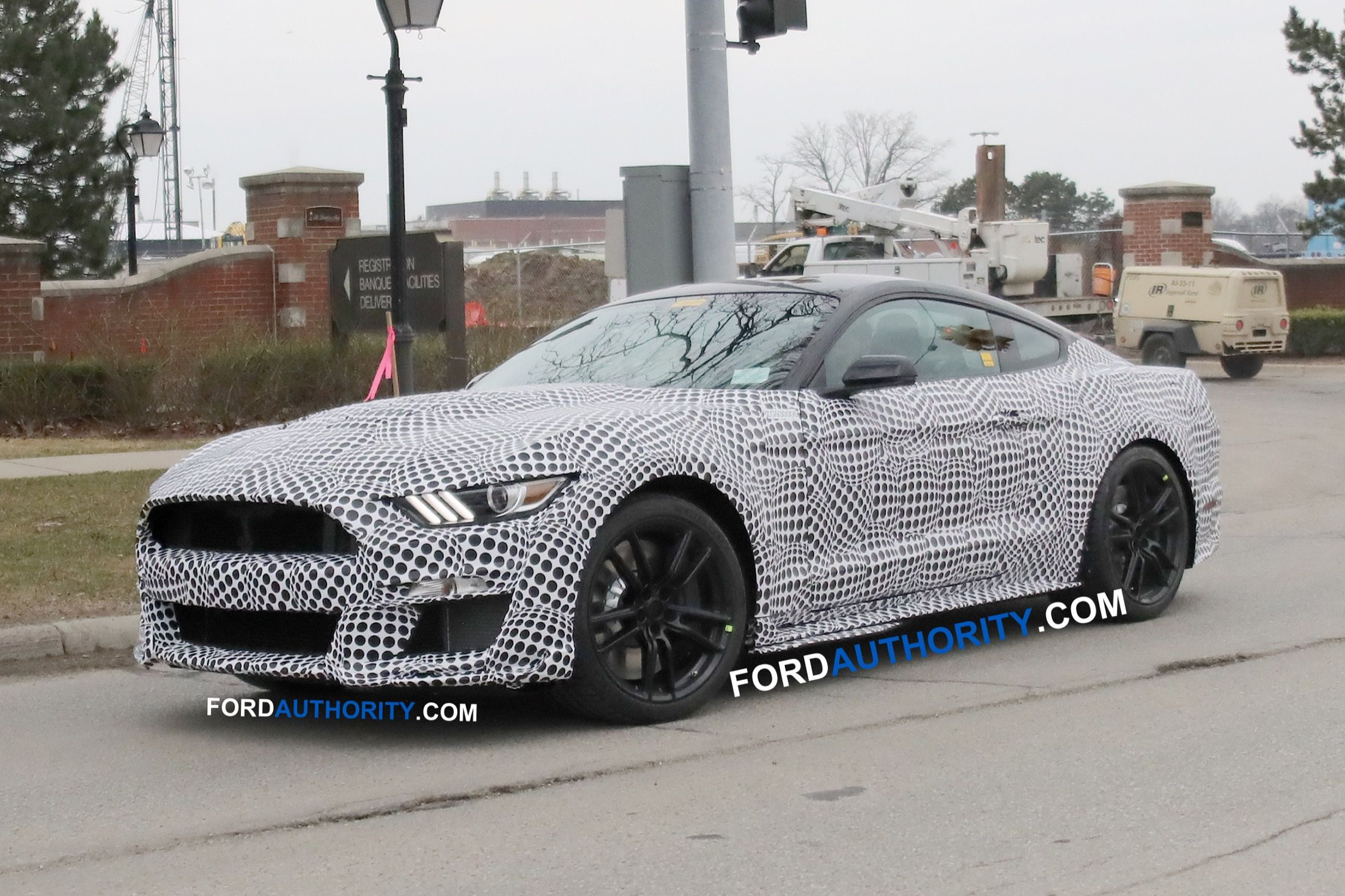 Spy Shots Ford Mustang Svt Gt 500 Images
