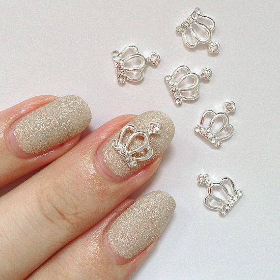 This super cute crown 3D nail charm is the perfect accessory to add pretty  sparkles to your manicure! These reusable nail charms are curved on the 187b133ec53a