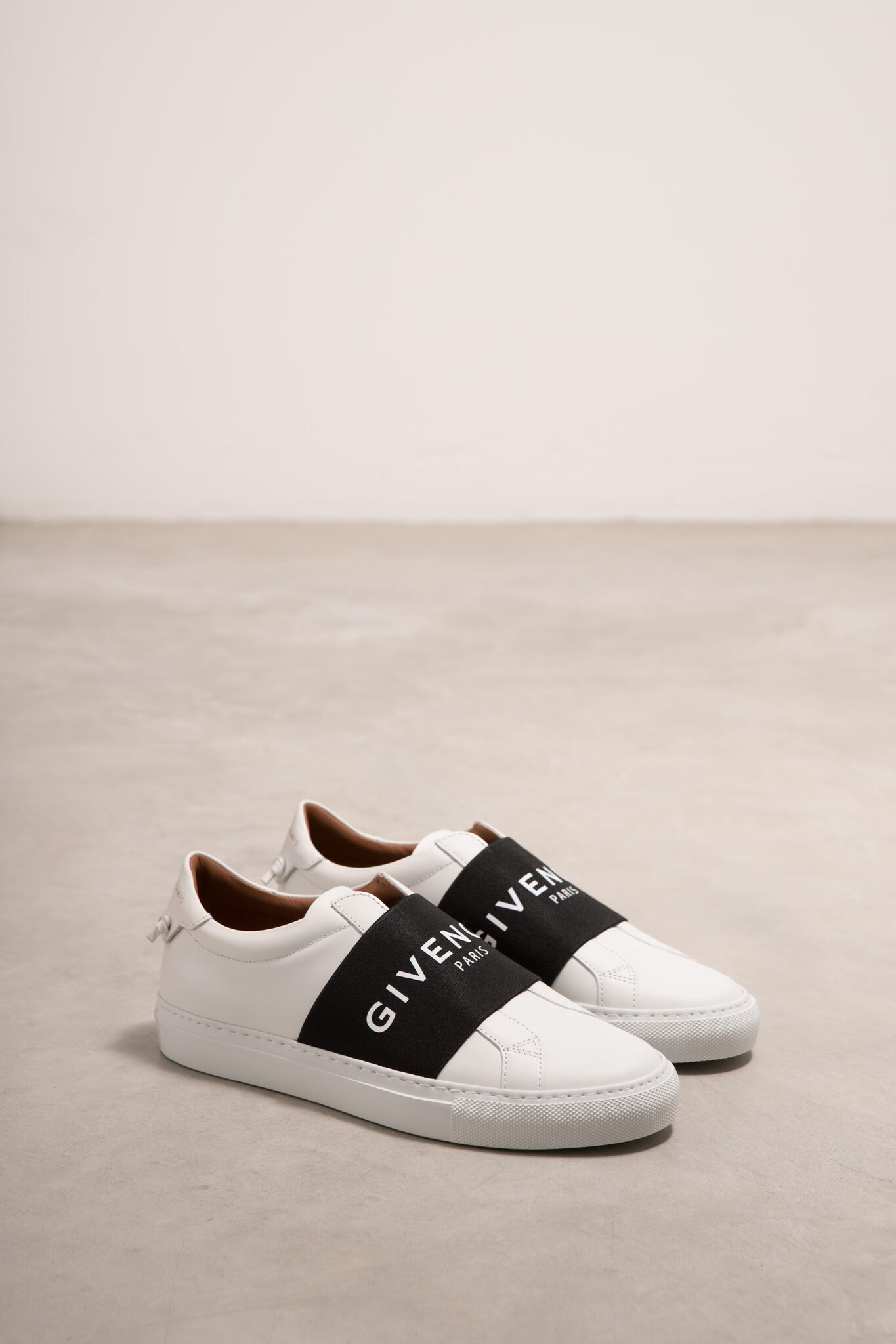 71a9761b42f Givenchy Sneakers