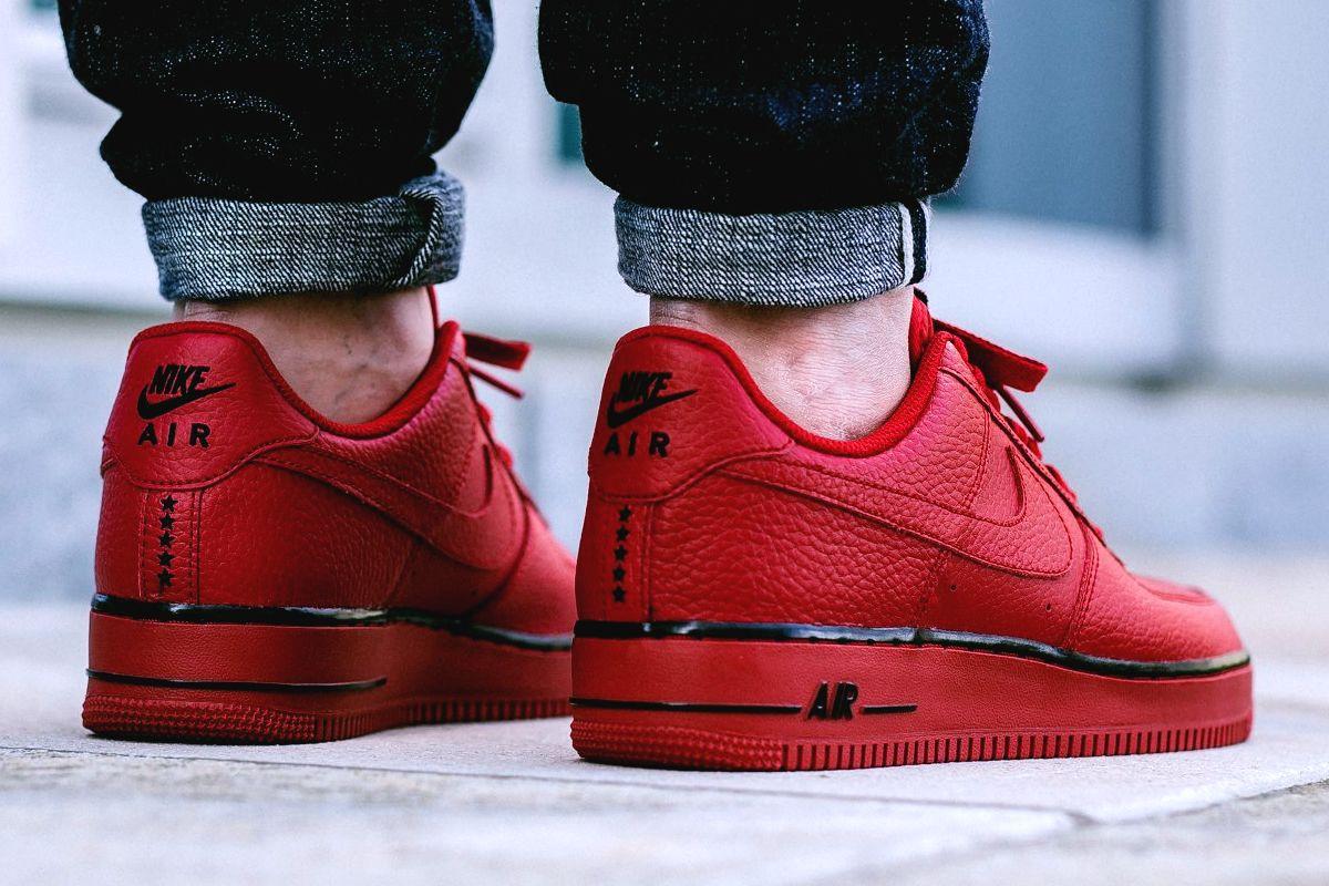 NIKE AIR FORCE 1 'Pivot' (via Nike