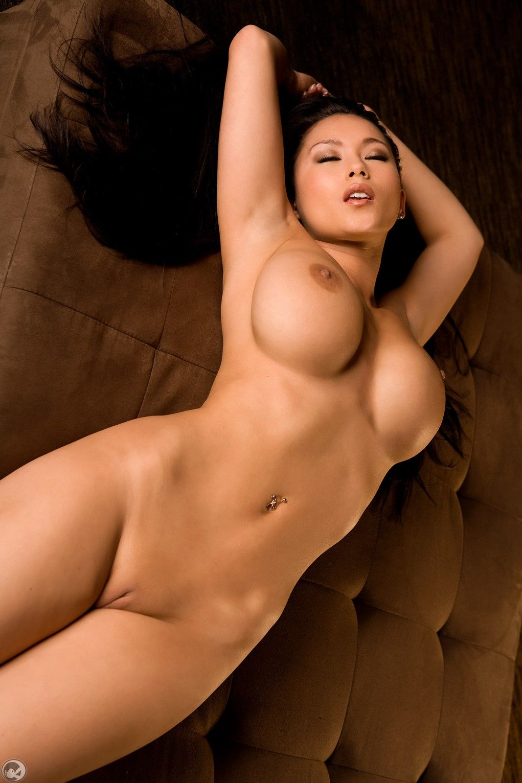 SHAVED, BUSTY PERFECT 10 ATHLETIC BODY OF PLAYBOY MODEL ...