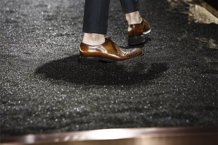 Details at Berluti Autumn-Winter 2016 Men Fashion Show #PFW #RTW #AW16 #Berluti #LVMH