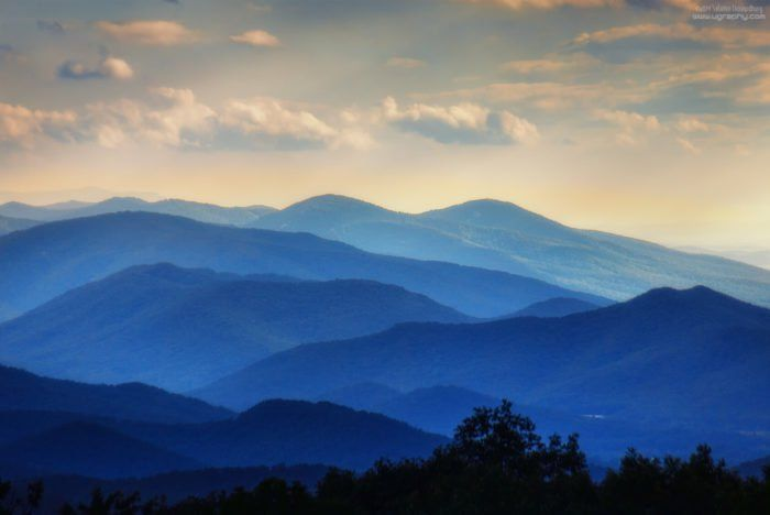 9 Undying Habits That Prove You Can Never Take Virginia Out Of The Virginian Mountain Landscape Mountain Paintings Blue Ridge Mountains
