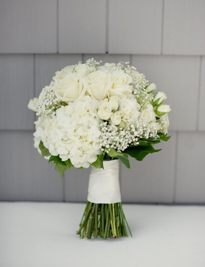 20 Classic Hydrangea Wedding Bouquets With Images Hydrangeas Wedding Hydrangea Bouquet Wedding Summer Wedding Bouquets