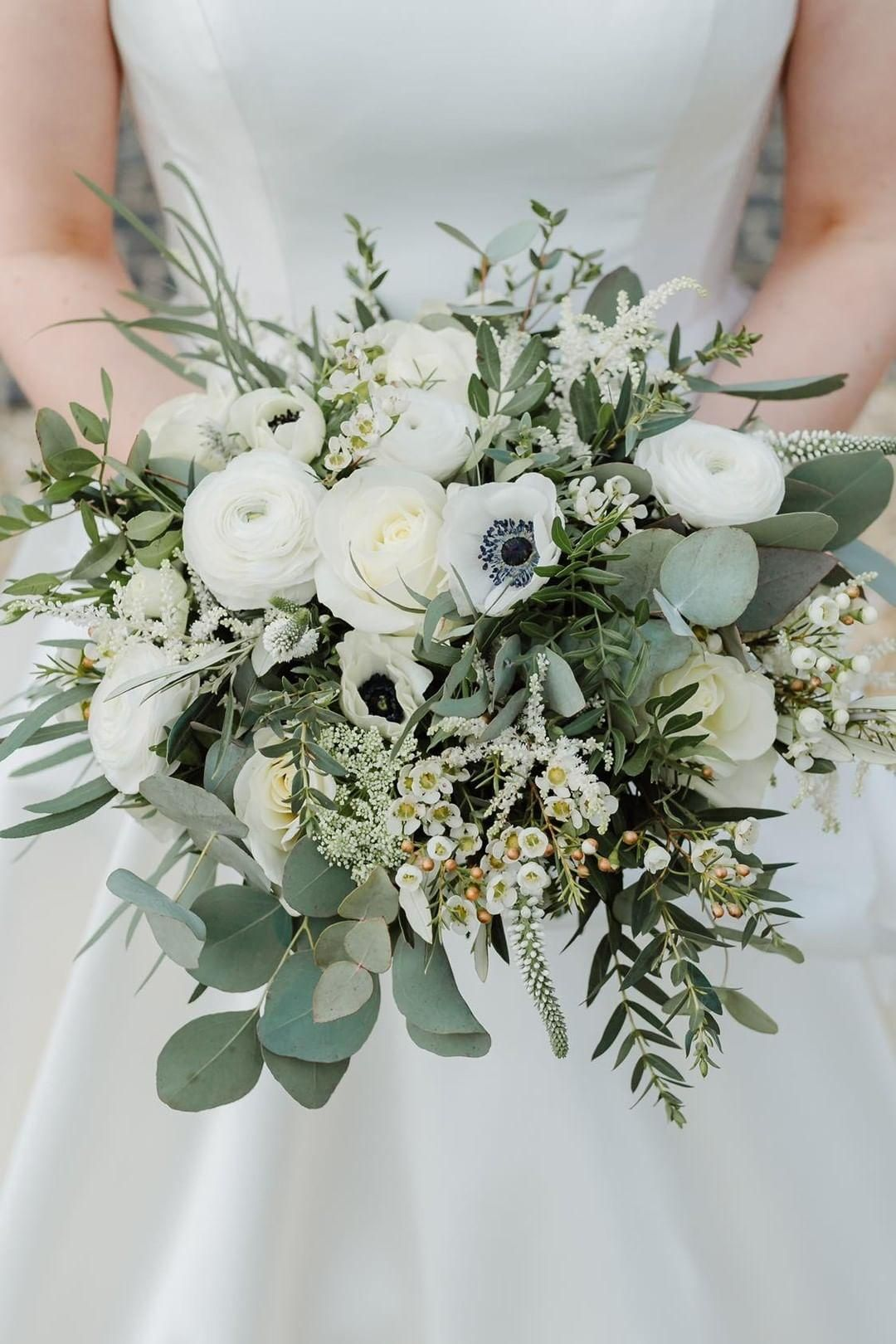 Bridal bouquet white and green