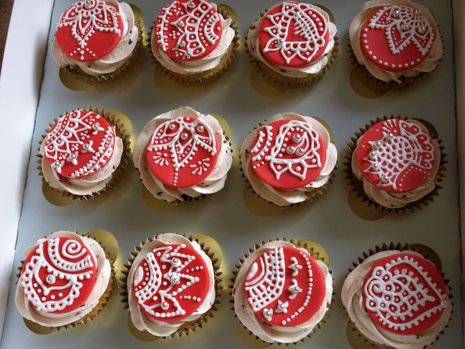 Mehndi Cake Tutorial : Mehndi cupcakes south asian wedding cake